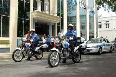 maldives_police2