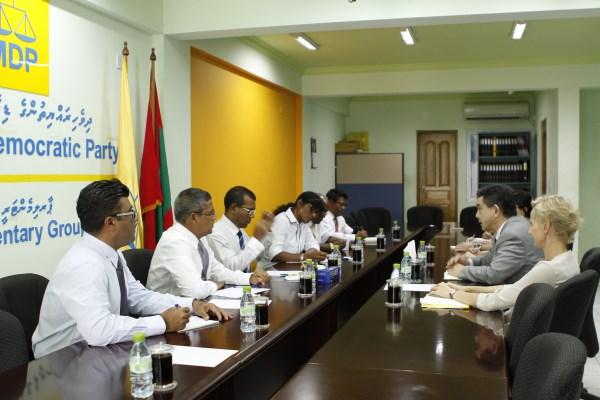 raees meeting un political head 010413 (1)